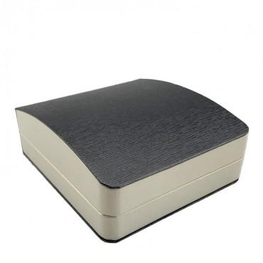 Pendent  Box  (Silver/Cream,  RBA/PU/PU)